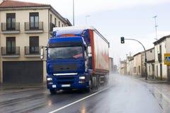 都市运费的卡车 库存照片