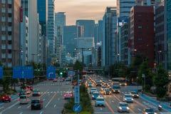 都市风景和摩天大楼黄昏的在名古屋,日本 免版税库存图片