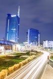 都市风景在晚上,米兰,意大利 库存照片
