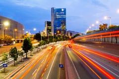 都市风景在晚上,巴塞罗那,西班牙 免版税库存照片