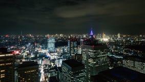 都市风景在晚上 免版税库存图片