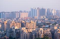 都市风景在有混凝土建筑和skyscrap的一个印度城市 库存图片