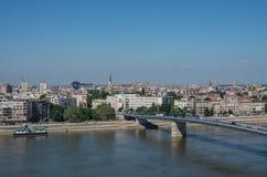都市风景在有Varadin桥梁的Duga和多瑙河诺维萨德 免版税库存图片