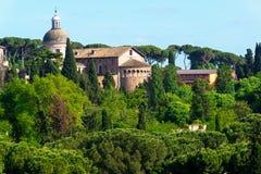 都市风景在罗马的中心 免版税库存照片