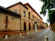 都市风景在费拉拉,意大利 免版税库存图片