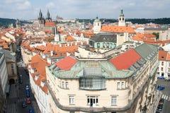 都市风景地区老布拉格顶视图 图库摄影
