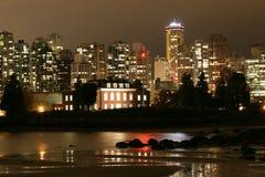 都市风景夜间温哥华 库存照片