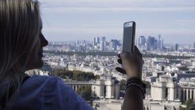 都市风景妇女照相  股票视频