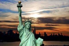 都市风景早剪影地平线日出美国 免版税图库摄影