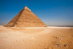 都市风景沙漠khafre金字塔后方 图库摄影