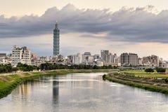 都市风景河 库存图片