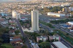 都市风景的鸟瞰图与大厦的 免版税图库摄影