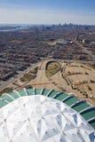 都市风景蒙特利尔奥林匹克体育场 免版税库存照片