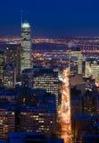 都市风景蒙特利尔晚上场面摩天大楼 免版税库存照片