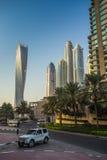 都市风景迪拜海滨广场全景场面日落 阿拉伯联合酋长国 库存照片