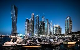 都市风景迪拜海滨广场全景场面日落 库存图片