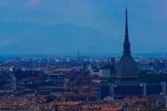 都灵一个宏伟的视图有痣的Antonelliana,都灵的建筑标志 免版税库存照片