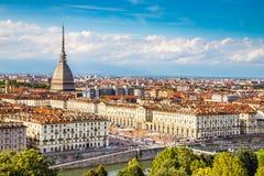 都灵中心看法与痣Antonelliana意大利的 免版税库存照片