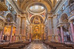 都灵,意大利- 2017年3月13日:巴洛克式的教会基耶萨di圣诞老人Teresia教堂中殿  图库摄影