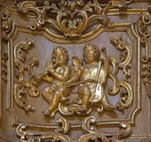 都灵,意大利- 2017年3月13日:天使多彩被雕刻的巴洛克式的安心在教会基耶萨di由未知的艺术家的圣朱塞佩里 库存照片