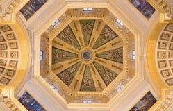 都灵,意大利- 2017年3月13日:教会在monte Monte dei Cappuccini的基耶萨二圣玛丽亚巴洛克式的圆屋顶  免版税库存照片