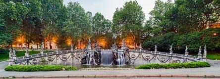 都灵(托里诺),十二个月的喷泉 库存图片