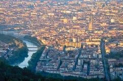 都灵& x28; Torino& x29;日出的全景 库存照片