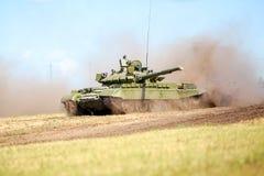 鄂木斯克,俄罗斯- 2011年7月07日:国际军事陈列 库存图片