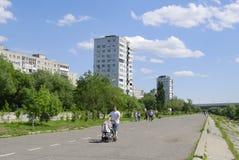 鄂木斯克,俄罗斯- 2015年6月12日:鄂毕河图哈切夫斯基码头  图库摄影