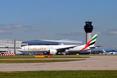 酋长管辖区波音777-300,曼彻斯特 免版税库存照片