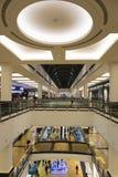 酋长管辖区的购物中心的内部在迪拜 库存照片