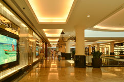 酋长管辖区购物中心, 2015年5月7日的迪拜 免版税库存照片