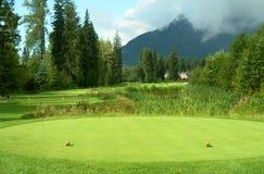 配件箱发球区域的路线高尔夫球 免版税库存照片