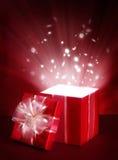 配件箱开放礼品的魔术 图库摄影