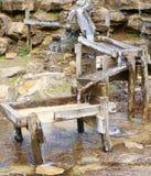 配件箱木水闸的水 免版税库存图片