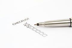 配件箱核对清单笔指向 免版税库存图片