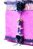 配件箱礼品查出的紫色上升了 库存图片