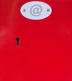 配件箱联络电子邮件办公室过帐红色我们 库存照片