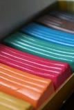 配件箱色的多彩色塑泥 免版税库存照片