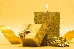 配件箱蜡烛礼品 免版税库存照片