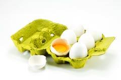 配件箱被中断的鸡蛋 免版税库存图片