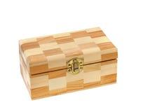 配件箱被关闭的查出的木头 免版税库存图片