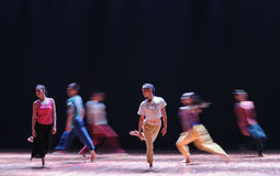 配齐或错误对来到去现代舞蹈 库存图片