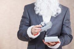 配件箱克劳斯礼品圣诞老人 免版税库存图片