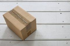 配件箱发运查出的白色 库存照片