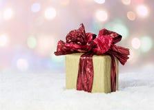 配件箱礼品红色丝带 免版税库存图片
