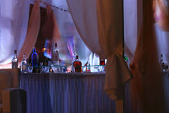 酒吧在晚上 库存图片