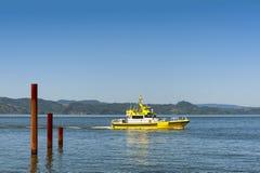 酒吧领航船在哥伦比亚河 免版税库存照片
