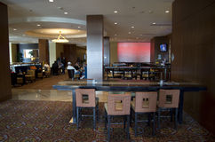 酒吧餐馆在旅馆里 免版税图库摄影