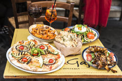 酒吧餐馆在罗马,意大利 免版税库存照片